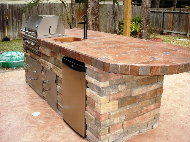 Outdoor kitchen designs small spaces modest for Outdoor kitchen designs for small spaces