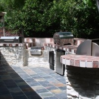 Houston outdoor kitchens trending toward multiple grills