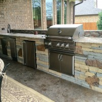 Outdoor Living Space: Houston Patio Features Mixed Stone