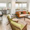 Houston Interior Designer Goes Mid Century Modern With Condo