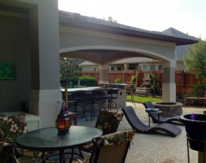 Stucco Arch over Outdoor Kitchen