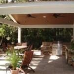 covered patio with ceiling fan