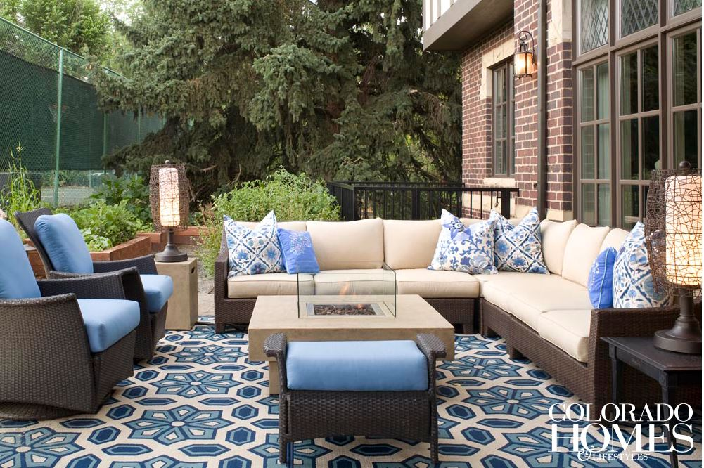 Outdoor living color schemes help establish the mood, personality and style of outdoor living spaces, according to a blog post by Outdoor Homescapes of Houston at www.outdoorhomescapes.com