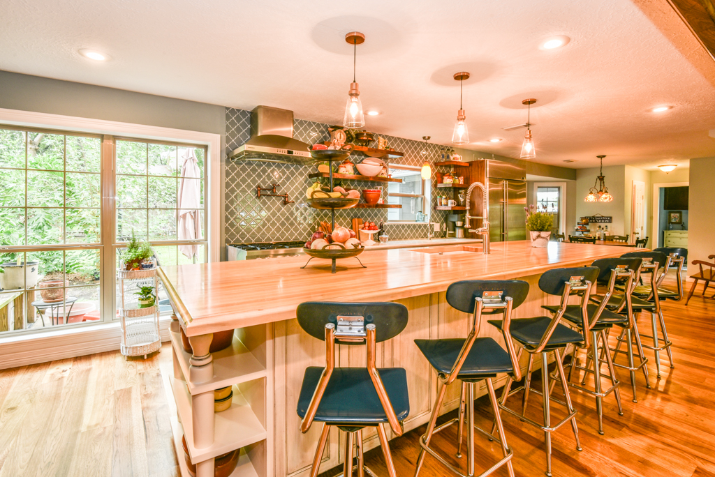 Houston kitchen remodel by Outdoor Homescapes of Houston. More at www.outdoorhomescapes.com